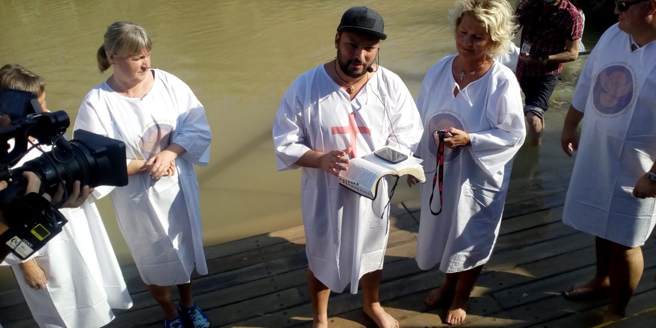 Dåp i jordanelven. 5 Oktober 2017